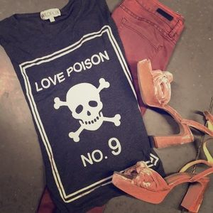 WILDFOX. t shirt